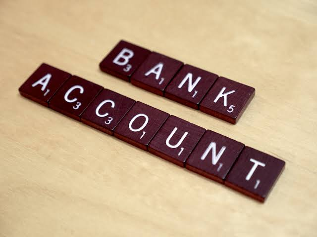 Reasons why you should hold a bank account in the UAE